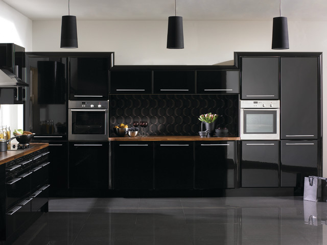 Black Hasn T Eared As A Colour Design Trend In The Kitchen Completely By Accident Modern Urban Kitchens Fashionable Themed