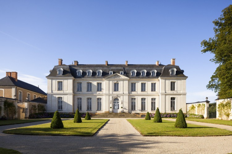 Owner losing money on sale of luxury french chateau worth for French chateau homes for sale