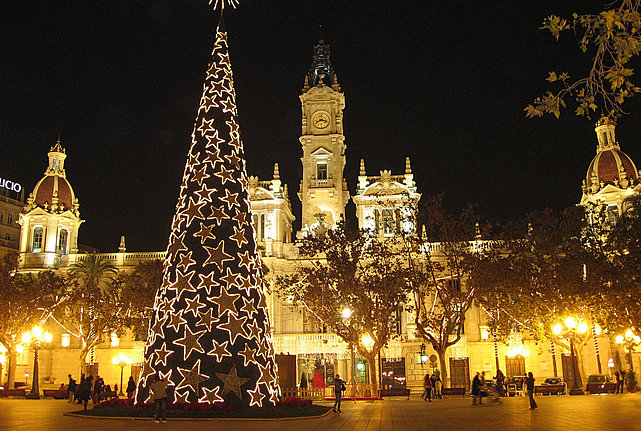 The Five Best Places To Own A Second Home Around Christmas  - Spanish Christmas Trees