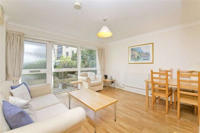 Property to Rent in 3 Bed Detached house for Rent, LONDON, United Kingdom