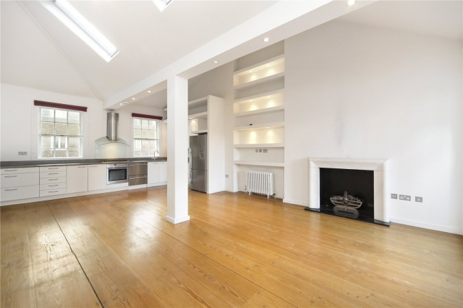 Property to Rent in 2 Bed Maisonette for Rent, LONDON, United Kingdom