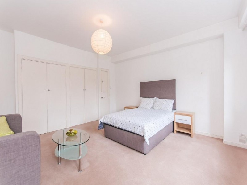 Property to Rent in Parking for Rent, LONDON, United Kingdom