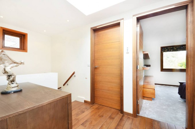 Property to Rent in 3 Bed Detached house for Rent, Wimbledon Village, United Kingdom