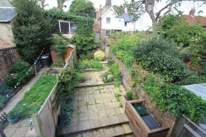Property to Rent in 3 Bed Terraced House for Rent, CROWBOROUGH, United Kingdom