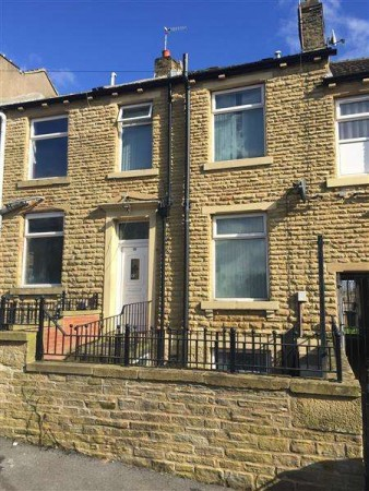 Property to Rent in 3 Bed Terraced House for Rent, Huddersfield, United Kingdom