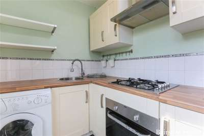 Property to Rent in 2 Bed Flat for Rent, Manor Park, United Kingdom