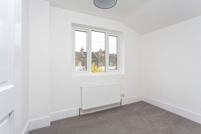 Property to Rent in 2 Bed Apartment for Rent, London, United Kingdom