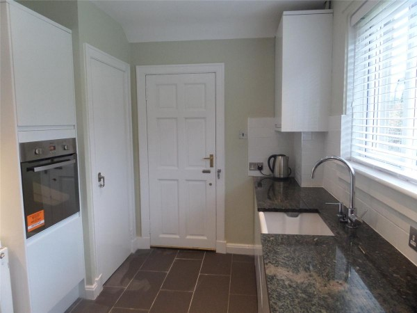 Property to Rent in 3 Bed Semi-detached house for Rent, Edinburgh, United Kingdom