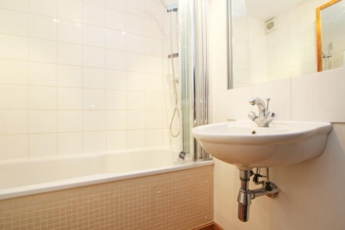 Property to Rent in 1 Bed Detached house for Rent, London, United Kingdom