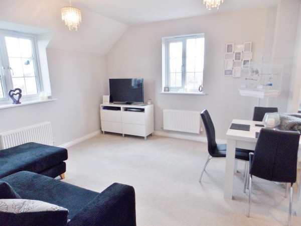 Property to Rent in 2 Bed Apartment for Rent, Swindon, United Kingdom