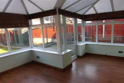 Property to Rent in 3 Bed Semi-detached house for Rent, Holywell, United Kingdom