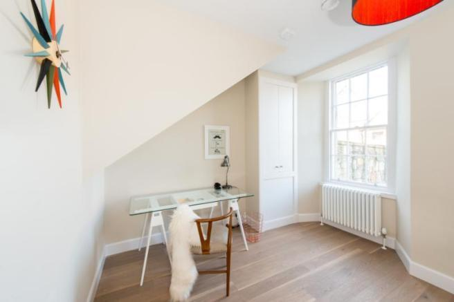 Property to Rent in 3 bedroom flat to rent, South Kensington, South Kensington, South Kensington, United Kingdom