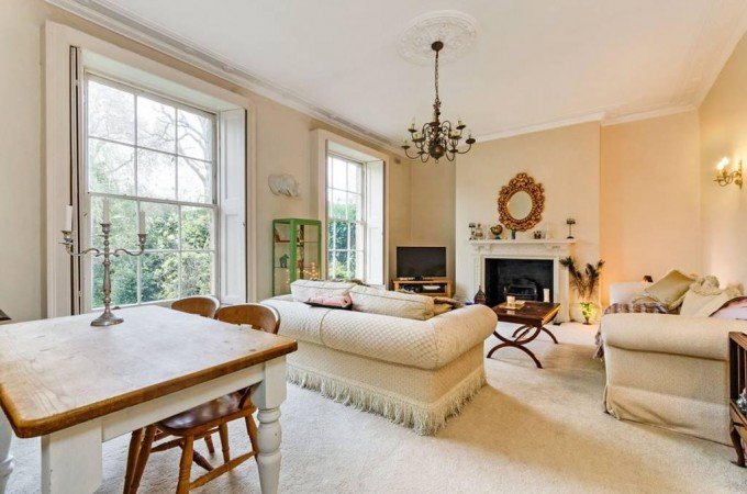 Property to Rent in 2 bedroom flat to rent, South Kensington, South Kensington, South Kensington, United Kingdom