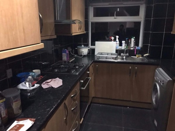 Property to Rent in Semi-detached house for Rent, CRAWLEY, United Kingdom