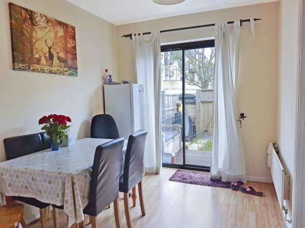 Property to Rent in 3 bedroom flat to rent, Silvertown, Silvertown, Silvertown, United Kingdom