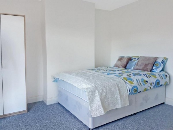 Property to Rent in 1 bedroom house share to rent, Colindale, Colindale, Colindale, United Kingdom