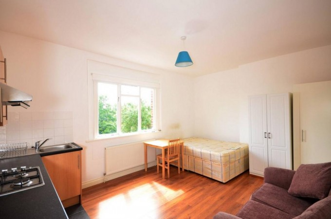 Property to Rent in Studio to rent, Hornsey, Hornsey, Hornsey, United Kingdom