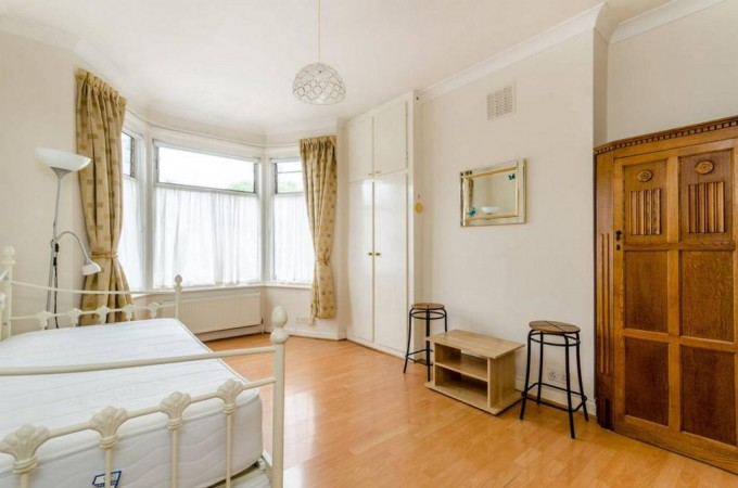 Property to Rent in Studio to rent, Crouch End, Crouch End, Crouch End, United Kingdom