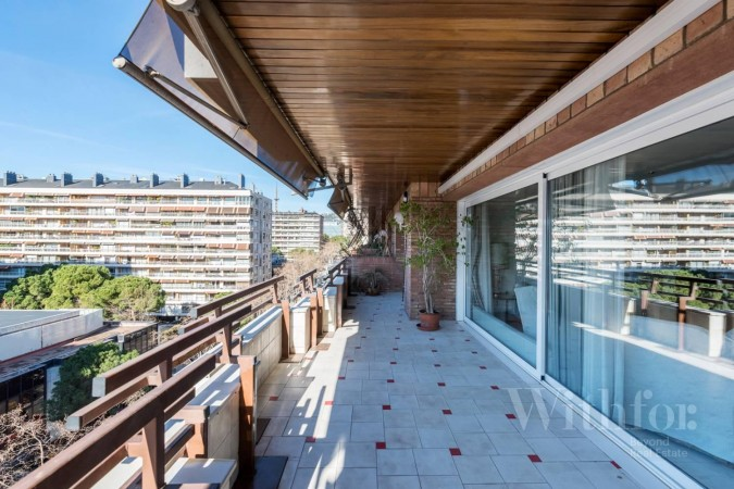 Property to Rent in Terrace and community pool area in Pedralbes, Barcelona, Spain