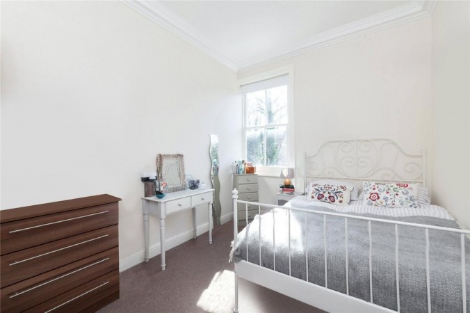 Property to Rent in 3 bedroom apartment to rent, South Hampstead, South Hampstead, South Hampstead, United Kingdom