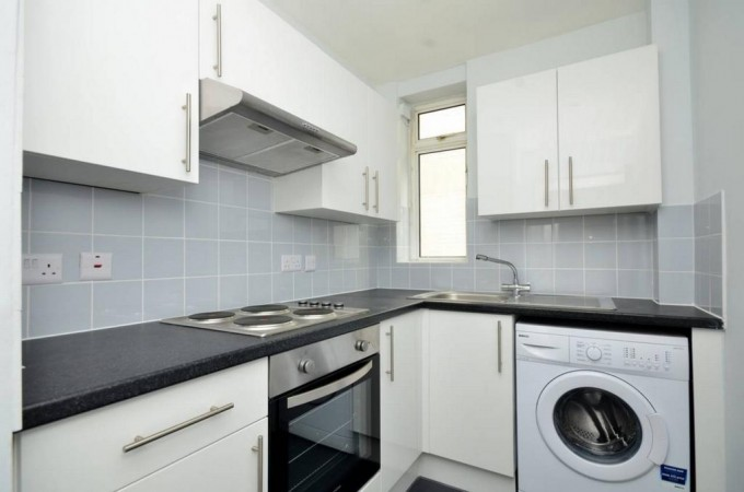 Property to Rent in 2 bedroom flat to rent, Warren Street, Warren Street, Warren Street, United Kingdom