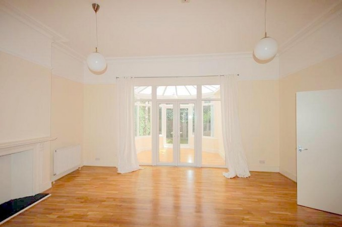 Property to Rent in 2 bedroom apartment to rent, South Hampstead, South Hampstead, South Hampstead, United Kingdom