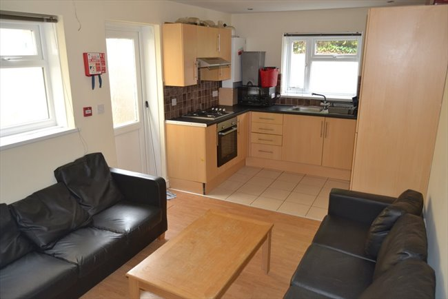 Property to Rent in 7 Bed Detached house for Rent, Cardiff, United Kingdom