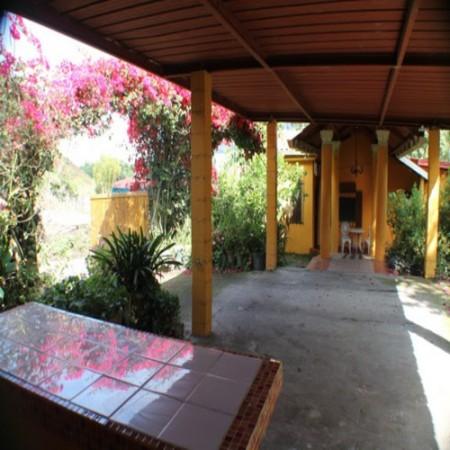 courtyard/wet bar/BBQ