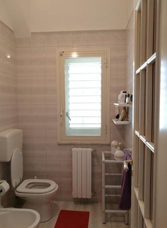 Ensuite bathroom upper floor