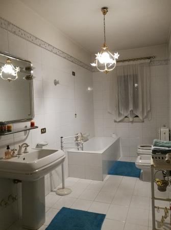Complete bathroom ground floor