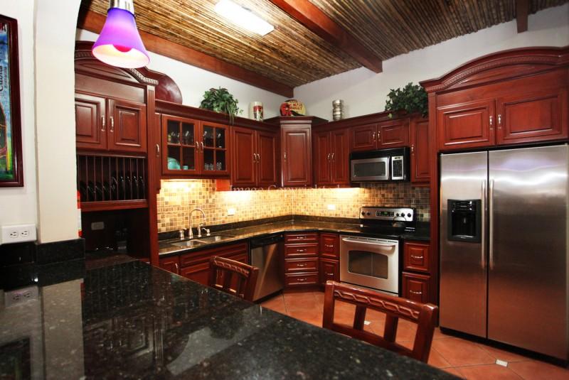 Kitchen-main hosue