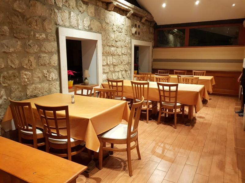Restaurant lounge 3