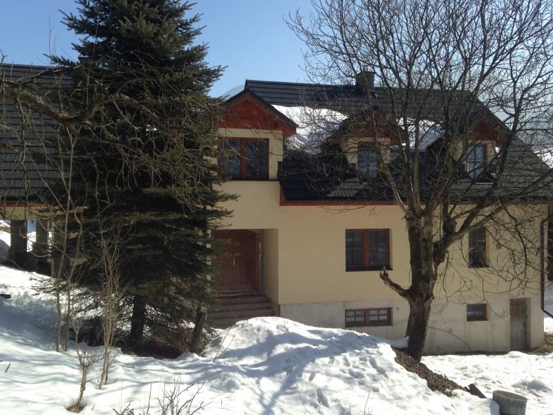 Left hand side of house – Main entrance
