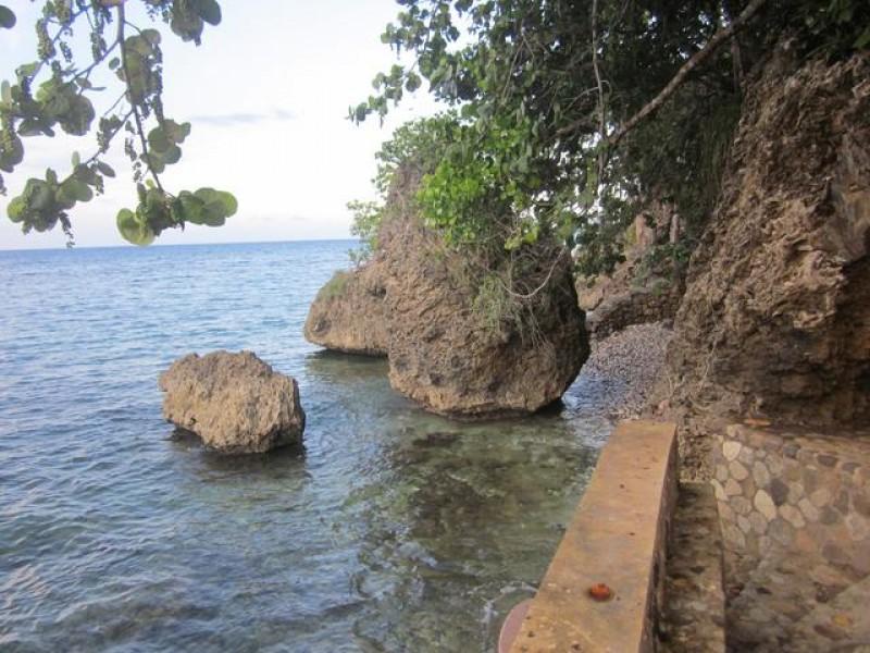Private steps to cove  & sea