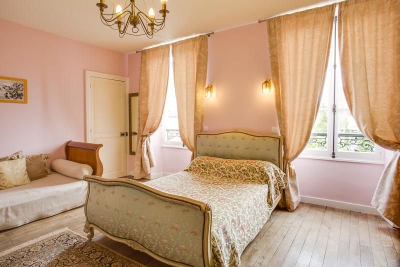 Bedroom Rose