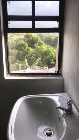 Upstairs bathroom with Mountain View