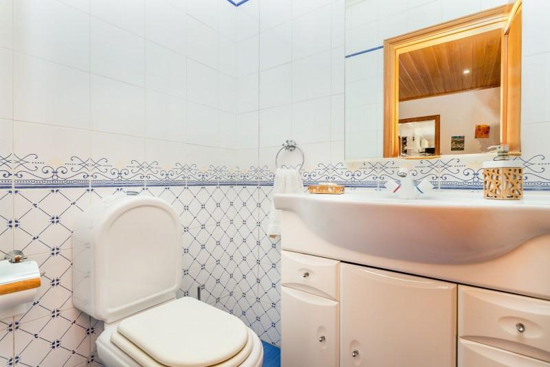Social bathroom